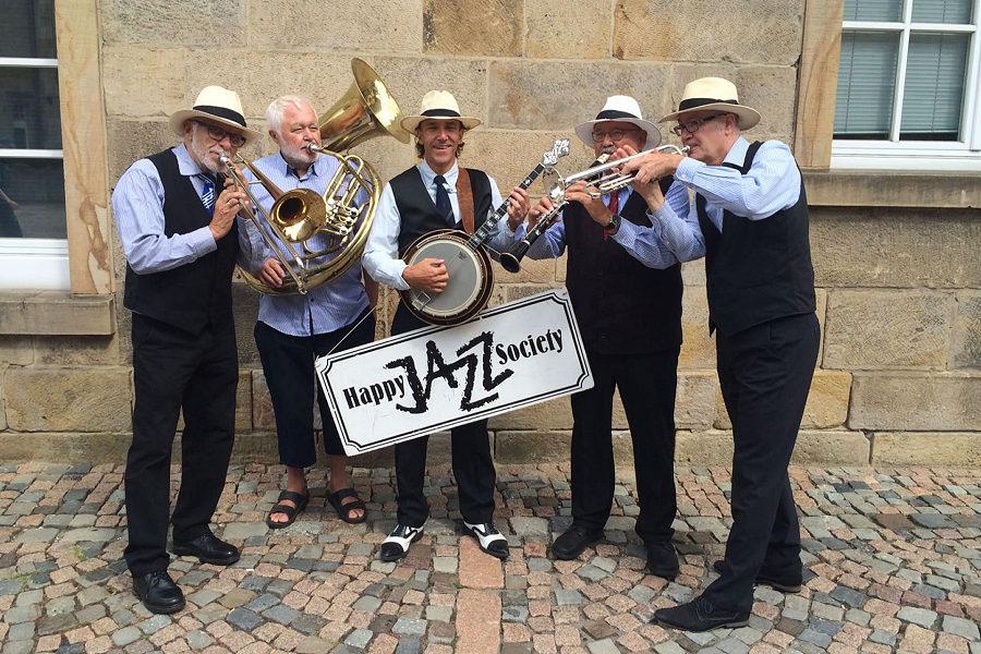 Kulturspaziergang auf dem Hasefriedhof: Happy Jazz Society